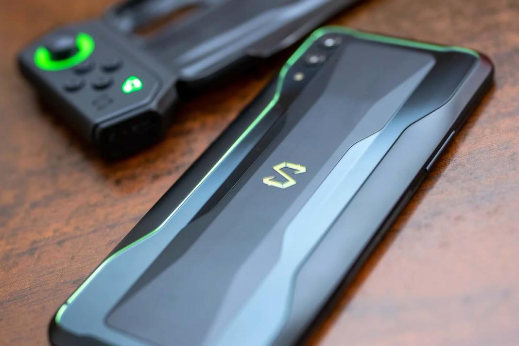 Xiaomi выпустила первый в мире смартфон с 16 ГБ оперативной памяти
